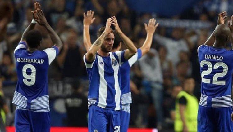 Futbol: Porto califica a la final de la Copa Portuguesa con participación de Layún