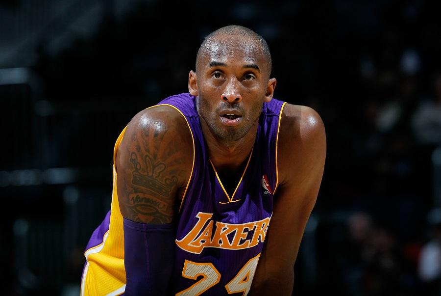 Basketball, NBA: Kobe le pega al College