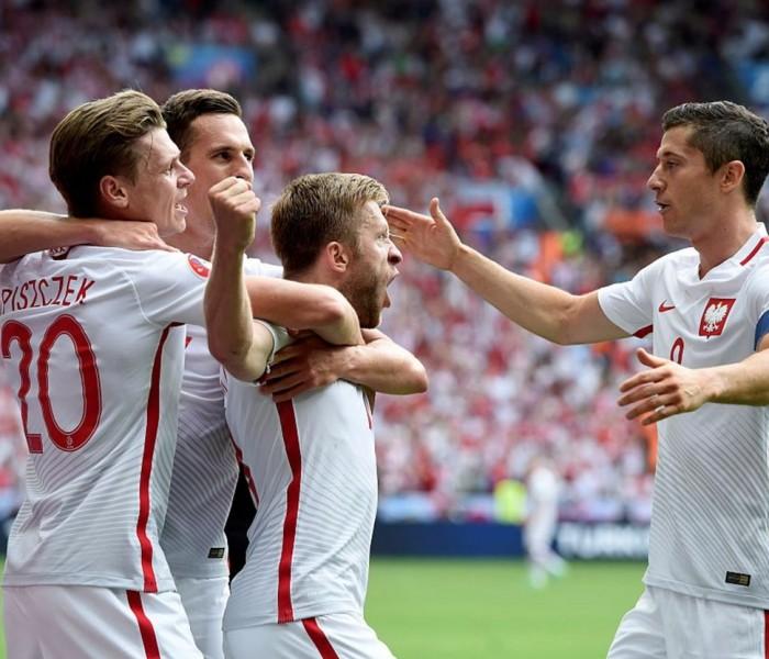 Futbol: Polonia tuvo que llegar a los penales para avanzar a cuartos