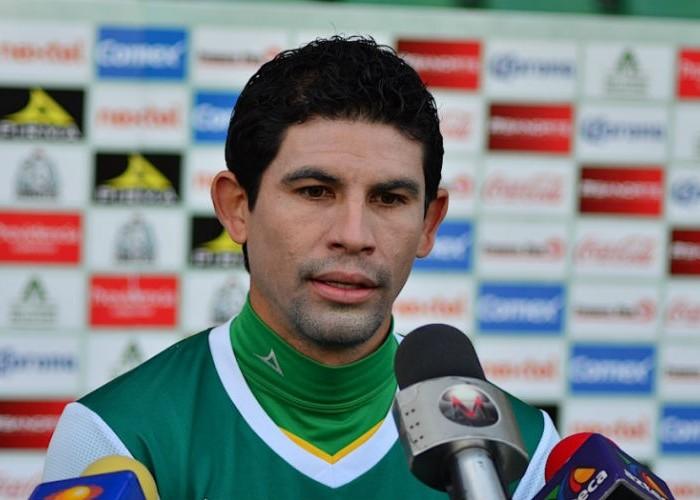 Futbol: Magallón jugará en Argentina, seguirá su carrera en Lanús