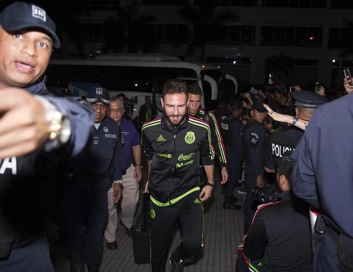 Fútbol: Selección Mexicana viajó a Estados Unidos para sus amistosos
