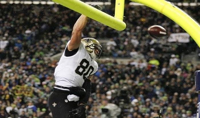 NFL, Futbol Americano: Festejos en postes de gol de campo siguen prohibidos