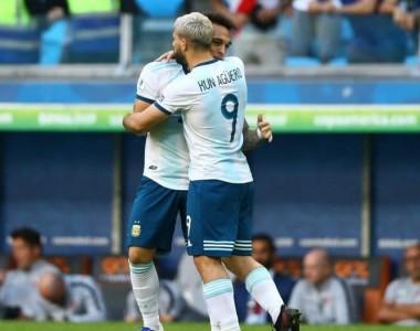 Fútbol: Argentina cumple, vence a Qatar y califica a la siguiente fase