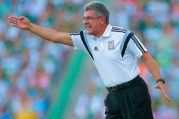Fútbol: Chelis y Ferretti tienen discusión acalorada, fueron expulsados