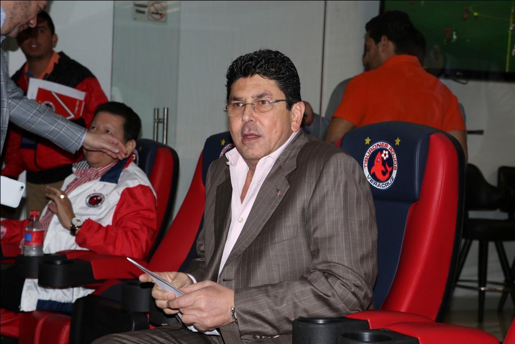 Futbol: Kuri declara que depende de la elección política el futuro del Veracruz