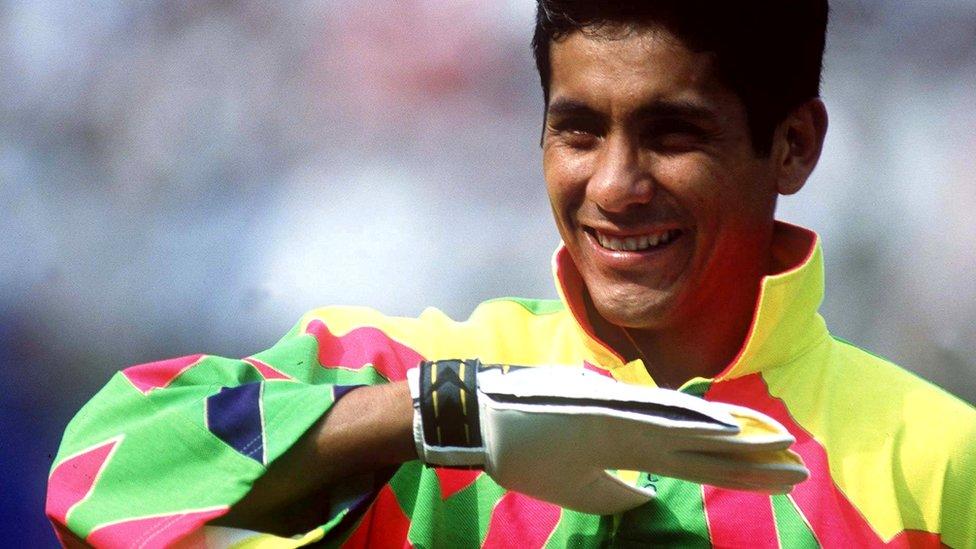 Futbol: Diario Inglés determina que Jorge Campos ha sido el peor vestido