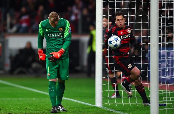 Futbol: Chicharito anota pero el Leverkusen no jugará Octavos de Champions