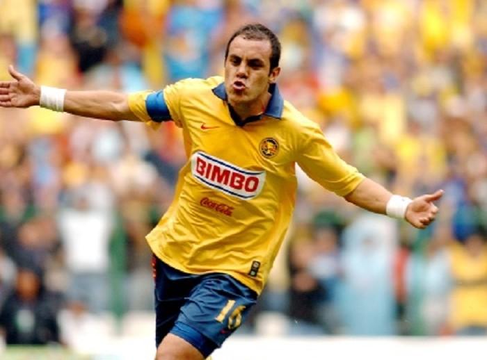 Futbol: Cuauhtémoc fue de los mejores futbolistas que le tocó dirigir a Leo Beenhakker