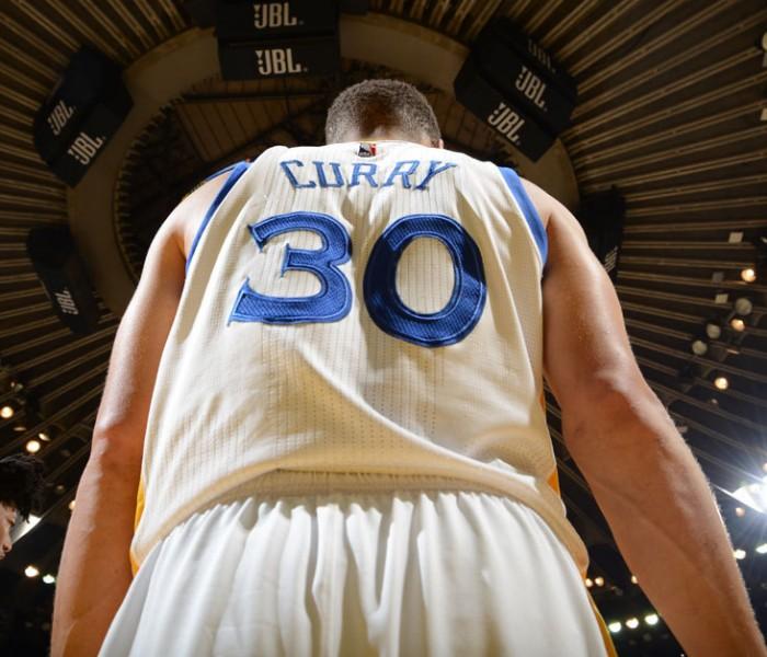 Basketball, NBA: Curry sigue haciendo historia