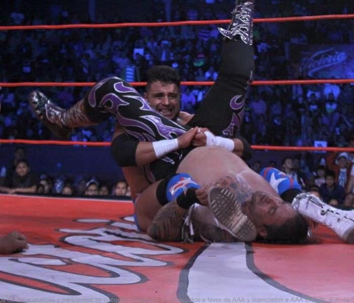 Lucha Libre, Triple A: Texano nuevo campeón y Pentagón Jr. Rey de Reyes