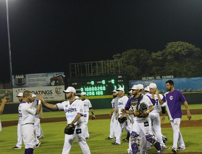 Beisbol, LMB: Delfines salva el del honor ante Leones y Rodríguez se roba el home
