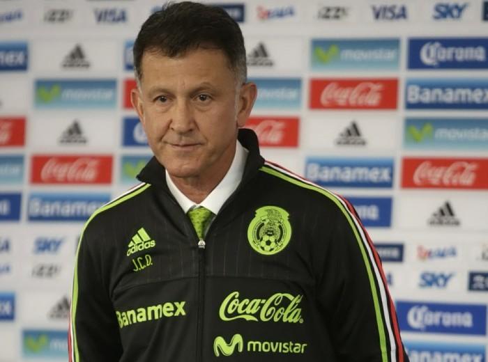 Futbol: Osorio convocaría a 14 jugadores que no actúan en México
