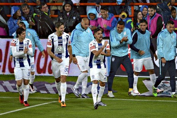 Futbol: Pachuca tiene ventaja en la final de ida, arbitraje favorece a Monterrey