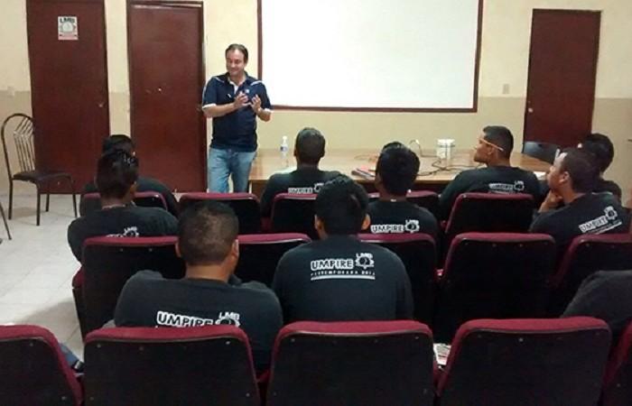 Beisbol, LMB: Jorge Bauzá de visita en la Academia LMB en Nuevo León