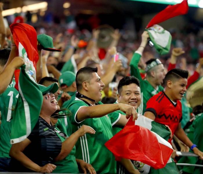 Fútbol: Autorizan a los árbitros a suspender partidos por discriminación
