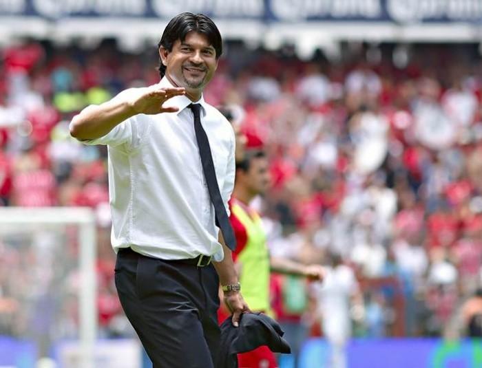 Futbol: ¿Cardozo se va a dirigir a Paraguay?