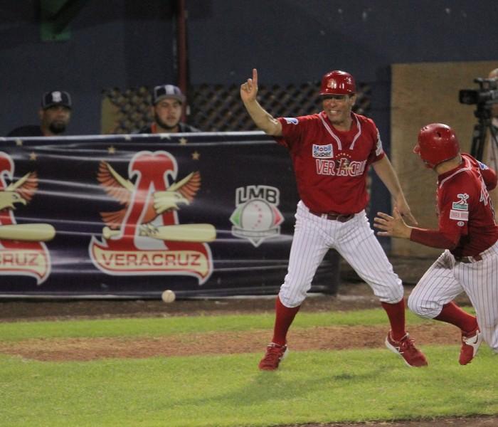 Beisbol, LMB: Rojos del Águila ganan en entradas extras.