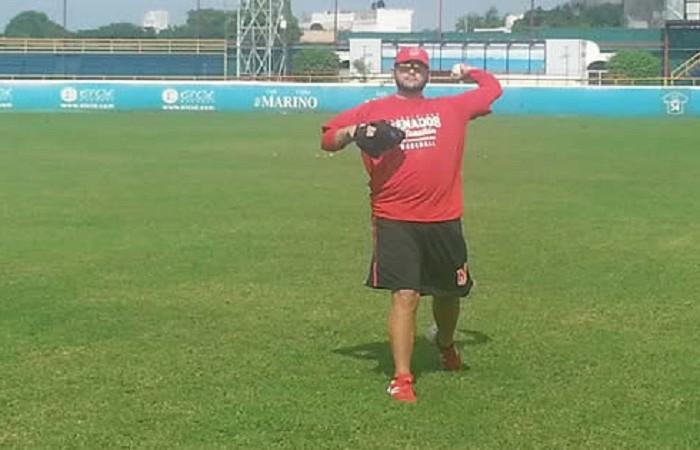 Beisbol, LMP: Arturo Barradas reportó al entrenamiento de Venados de Mazatlán