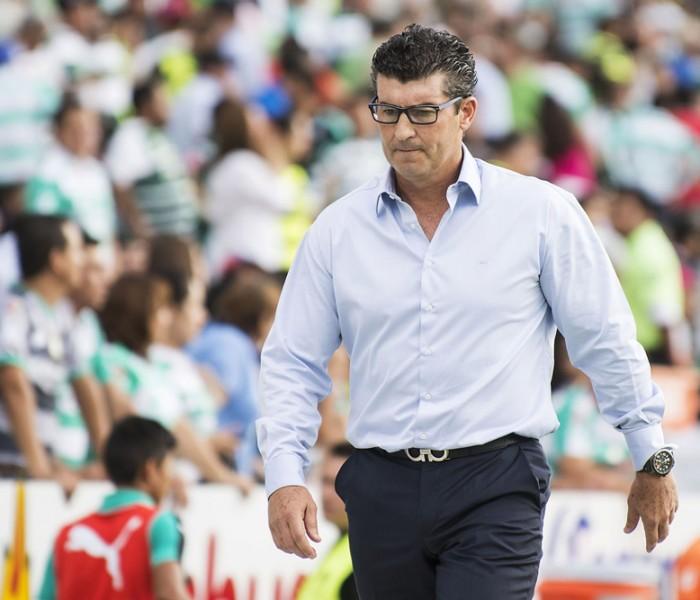 Futbol: Chepo de la Torre trabaja para mejorar el funcionamiento de Santos