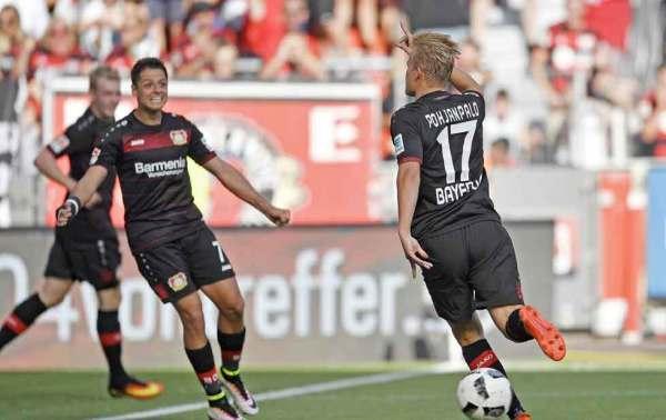 Futbol: Chicharito presente en la voltereta del Leverkusen