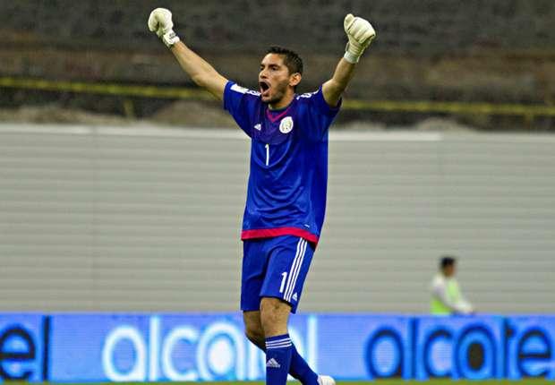 Fútbol: Corona se resintió de una lesión y será baja de la Selección Mexicana