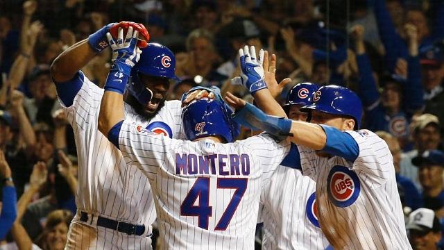 Beisbol, MLB: Con Grand Slam en la octava, Cachorros toma ventaja en la Serie de Campeonato