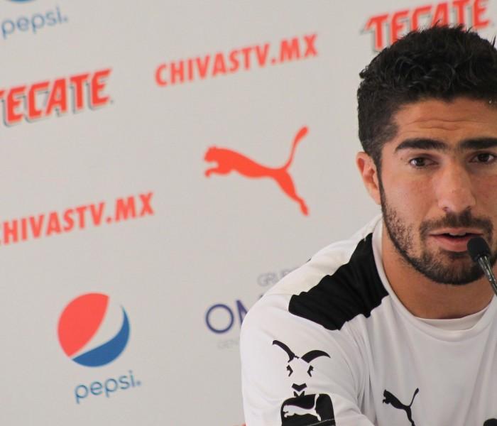 Fútbol: Pereira dice que siguen trabajando en Chivas