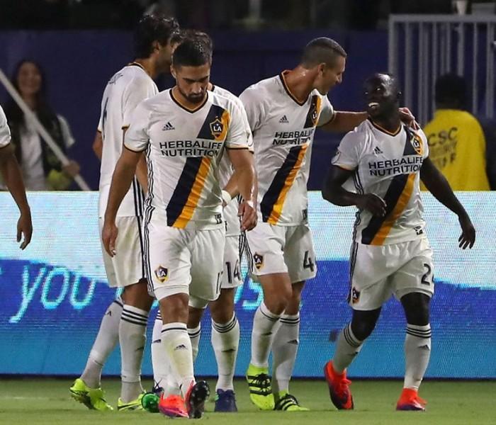 Futbol: Dos Santos con el Galaxy avanzan en los Playoffs de la MLS