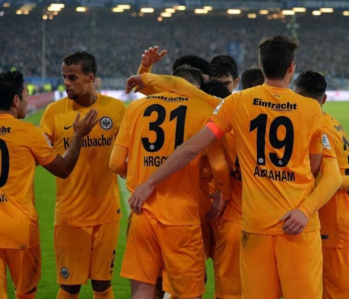 Futbol: Marco Fabián colaboró en la victoria del Eintracht