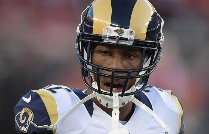Futbol Americano: Rams cortan a esquinero