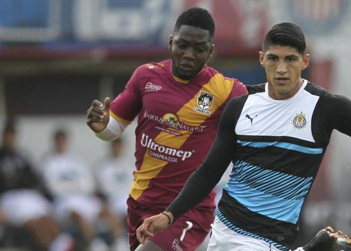 Futbol: Chivas termina su pretemporada con goleada a Coras