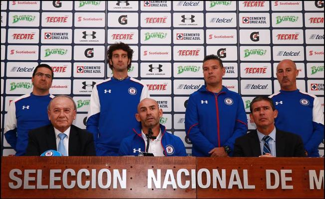 Futbol: Paco Jémez no quiso comprometerse al título con Cruz Azul