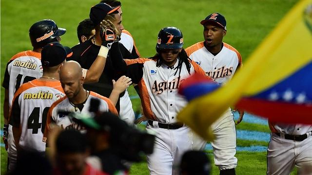 Beisbol, CBPC: Venezuela derrotó a Cuba para quitarle el invicto y meterse a semifinales