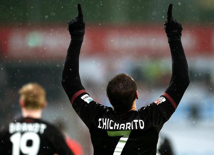 Futbol: Chicharito vuelve a su romance con el gol