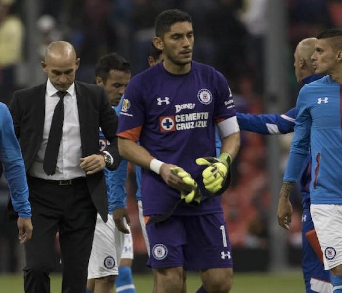 Fútbol: Cruz Azul no planea contratar a un portero