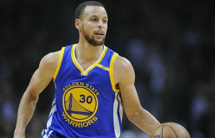 Baloncesto: Declaraciones de Curry contra Trump podrían costarle patrocinadores