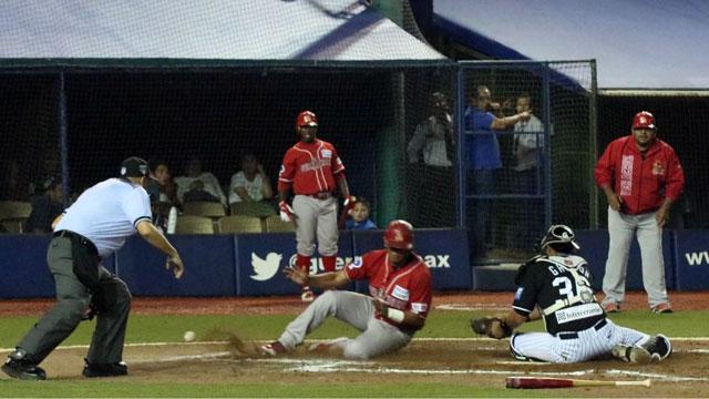 Beisbol, LMB: Martínez comanda ofensiva roja y derrotan a Guerreros en Oaxaca