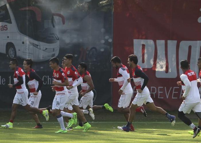 Fútbol: Chivas afinó detalles para recibir a Puebla