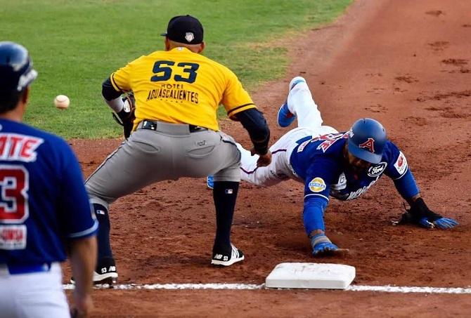 Beisbol, LMB: Con gran ofensiva Rieleros empatan la serie en Monclova.