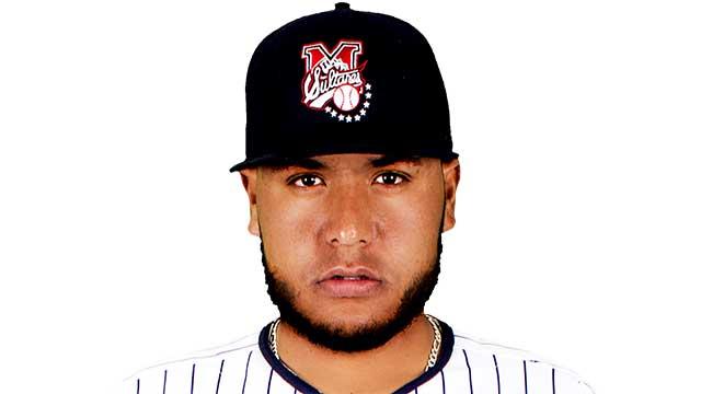 Beisbol, LMB: Jesús Cruz de Sultanes de Monterrey, firmó con Cardenales de San Luis
