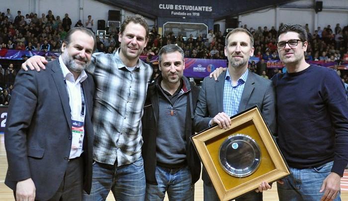 FIBA, Baloncesto: Reconocen a jugadores de Argentina