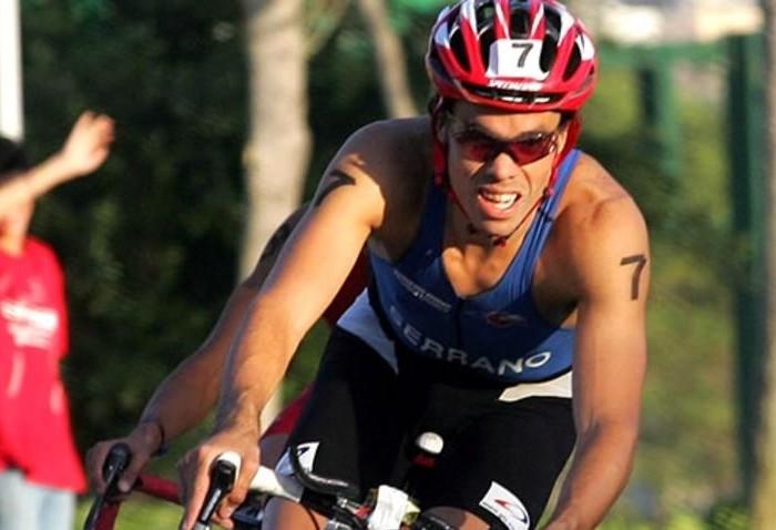 Atletismo: Francisco Serrano consigue oro en Triatlón