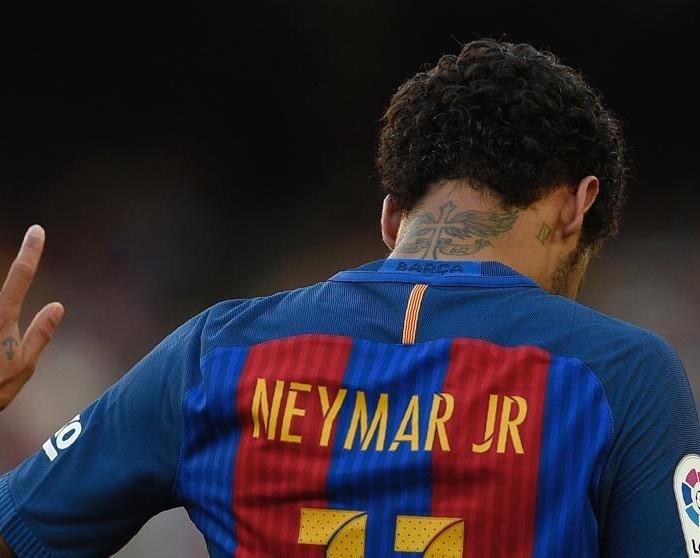Fútbol: Barcelona confirma la salida de Neymar