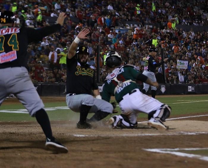 Beisbol, LMB: Toros 'pegan' primero en la Serie del Rey.