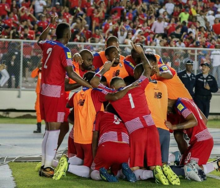 Fútbol: Panamá gana y manda a Estados Unidos a zona de repechaje