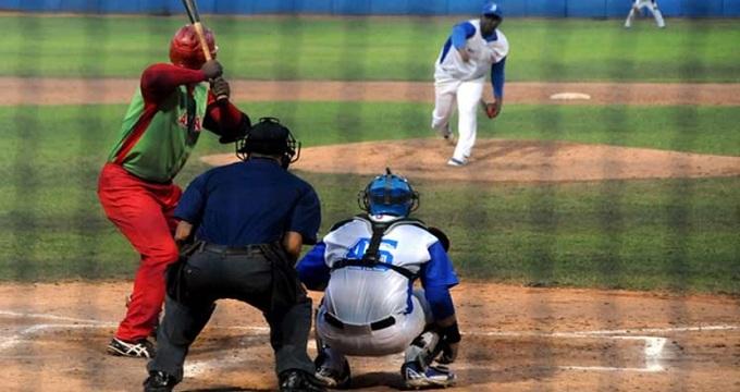 Beisbol, FCB: Joya de Erlys Casanova pone a los Industriales con la ventaja sobre Las Tunas