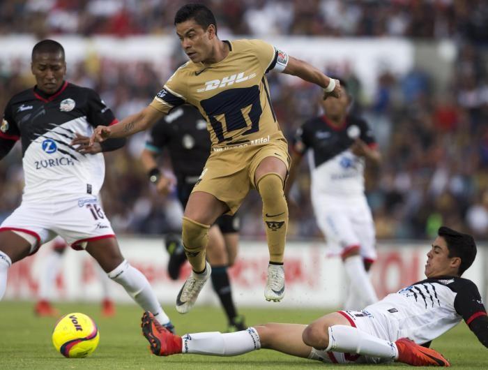 Fútbol: Pumas evitó el primer triunfo de Lobos en el torneo.