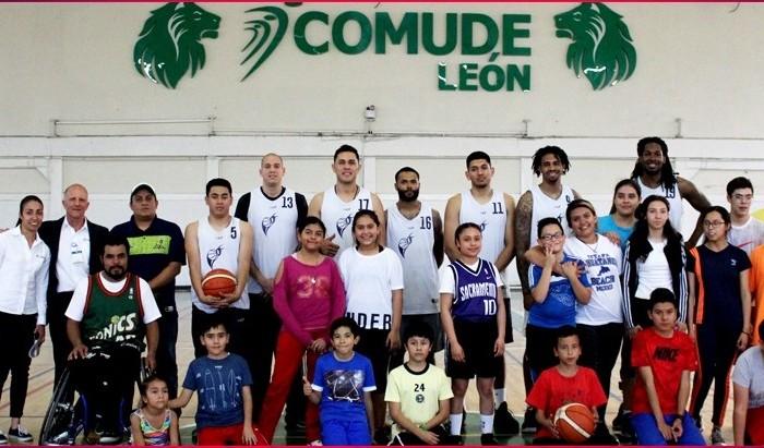 LNBP, Baloncesto: Abejas de León conviven con gente de COMUDE