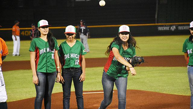 Beisbol, LMB: Leones reconoce a la Selección Femenil de Beisbol