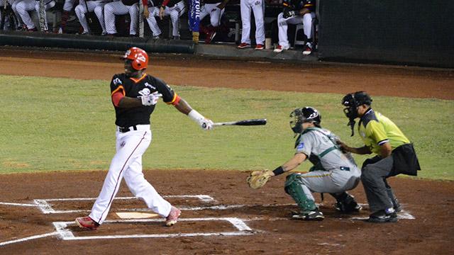 Beisbol, LMB: Jesús Vega dejó tendidos en el terreno a Pericos para empatar la serie